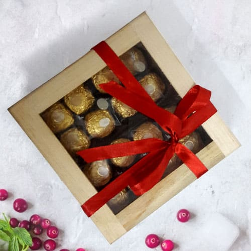 Irresistible Ferrero Rocher Gift Box