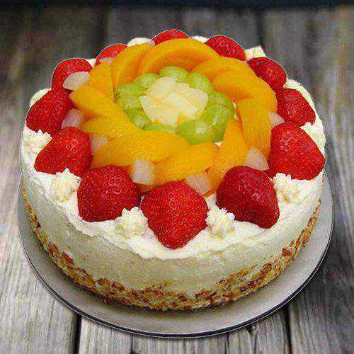 Extra Creamy Eggless Fresh Fruit Cake