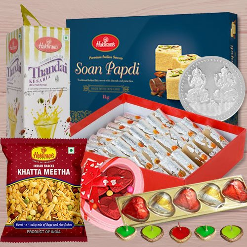 Fabulous Diwali Gift Hamper of Goodies