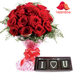 Luxurious V-day Celebration Gift of Red Roses with I Love You Handmade Chocolate