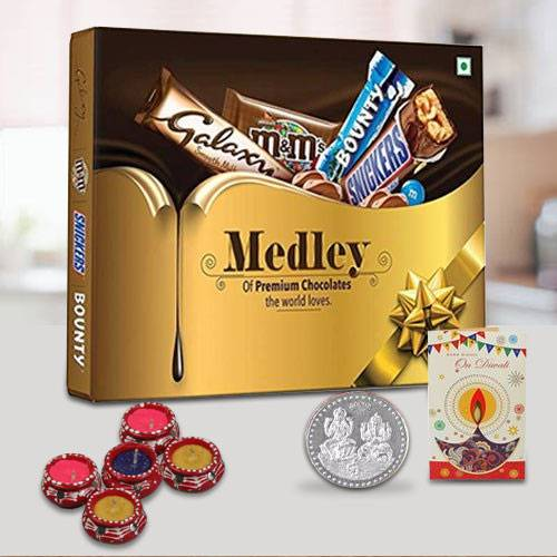 SNICKERS Medley Assorted Chocolates Diwali Gift Pack with 5 Candle Diyas