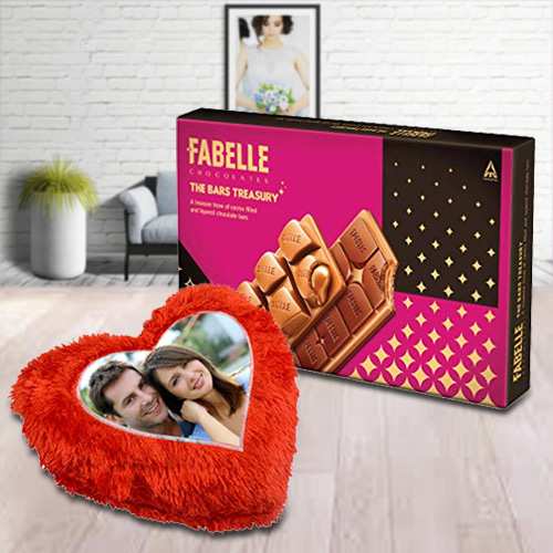 Exclusive ITC Fabelle Chocolate Box with Personalized Cushion