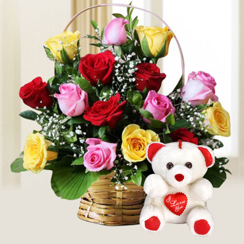 Spendid 15 multihued Roses with lovable cute Teddy Bear