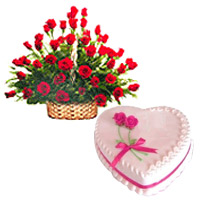 Majestic charming Red Roses with tasty delicious Love Cake