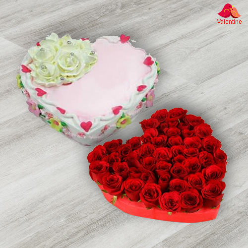 Heart Shape Dutch Red Roses with Heart Shape Cake