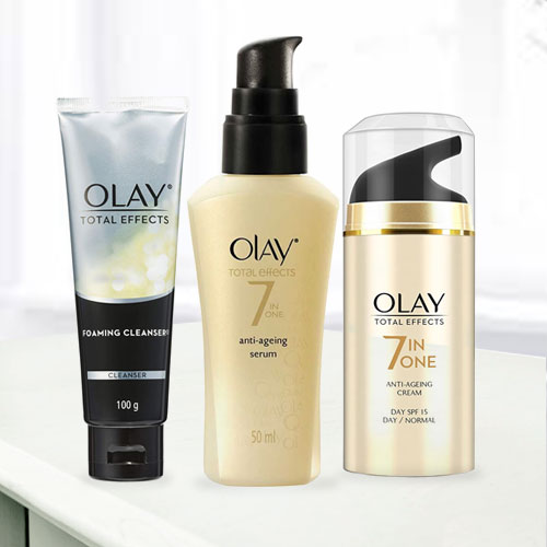 Exclusive Olay Anti-Ageing Gift Hamper for Women