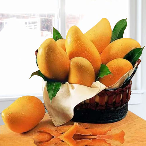 Good Quality Mangoes decorated in Basket