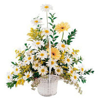 Bouquet of happiness with white and yellow Flowers