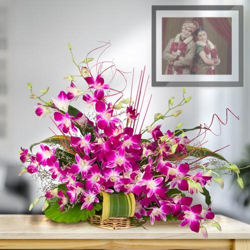 Stylish 10 Orchids Bouquet with Love