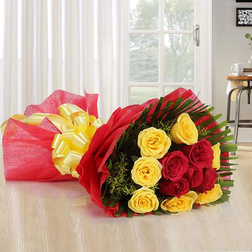 12 Mixed Roses Bouquet Tissue Wrapping