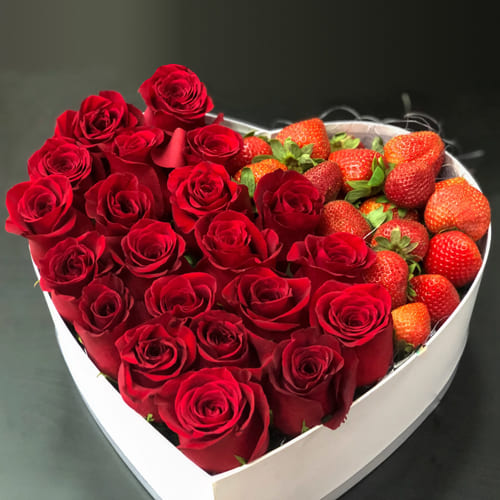 Passionate Love Box of Red Roses n Strawberry