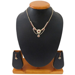 Trendsetting Necklace Set for Lovely Ladies