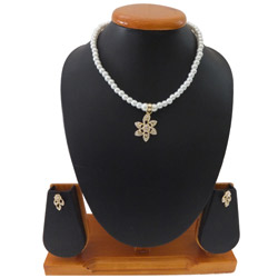 Graceful N Diva Style White Pearl Necklace Set