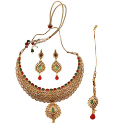 Flattering Womens Delight Necklace Set