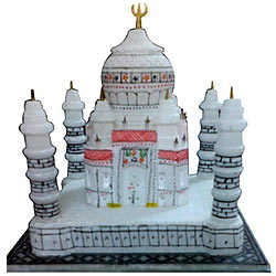 Intricately carved Delicately designed Tajmahal in a elegant box to you dear ones