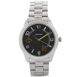Gaudy Analog Gents Watch from Titan Sonata