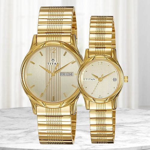 Attractive Titan Bandhan Analog Couple Watch